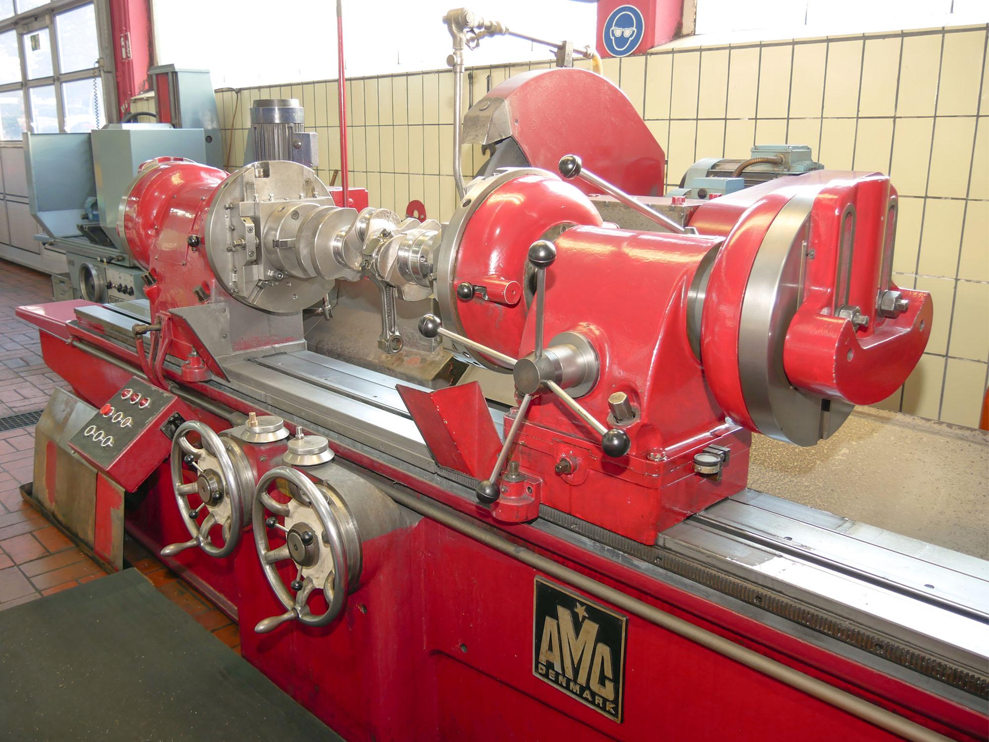 Schleifmaschine für Kurbelwellen